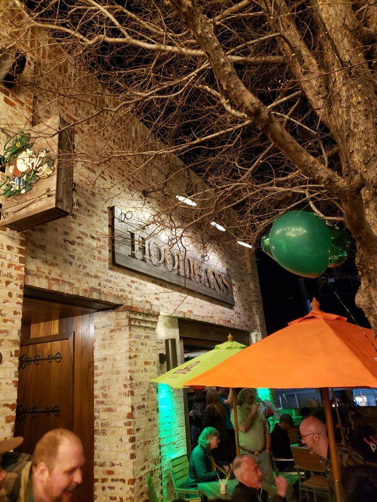 Hooligan's Pub: 310 E Abram St, Arlington, TX