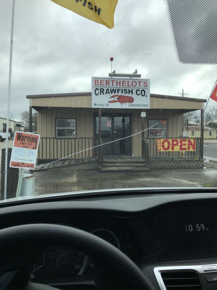 Berthelot Crawfish: 6105 La Highway 1 S, Brusly, LA