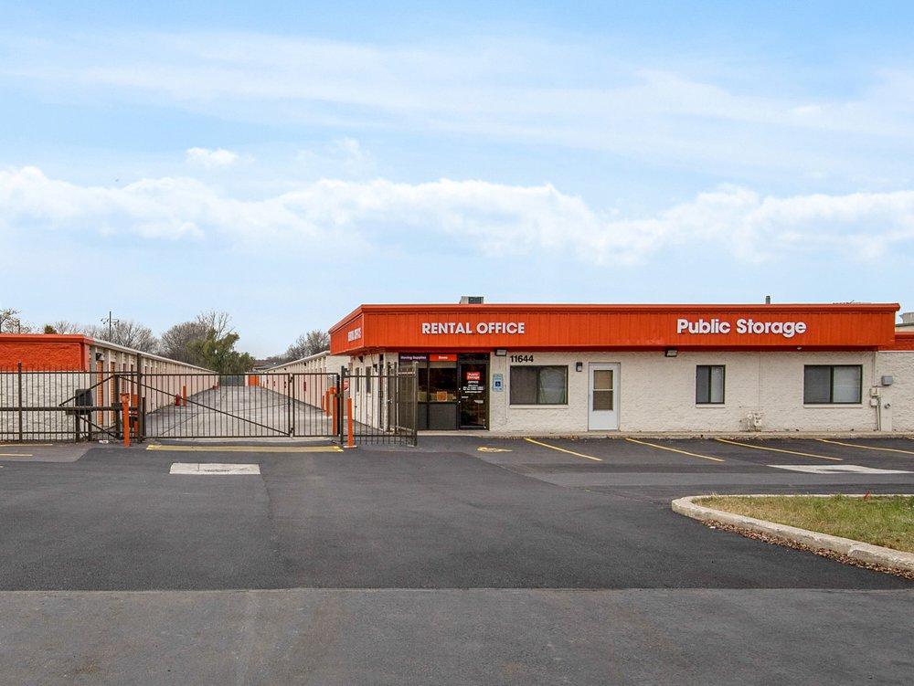 Public Storage: 11644 S Kedzie Ave, Merrionette Park, IL