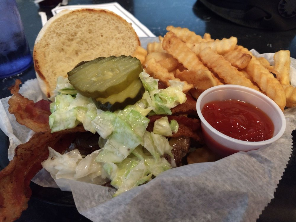 Susie Q's: 607 W Stephen Foster Ave, Bardstown, KY