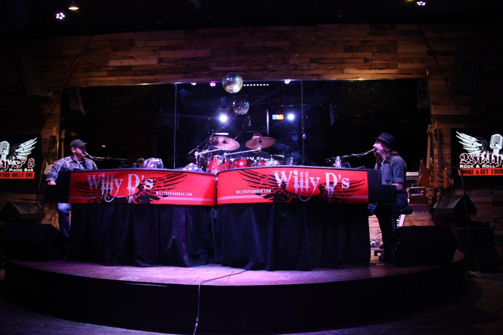 Willy D's Rock & Roll Piano Bar: 322 President Clinton Ave, Little Rock, AR