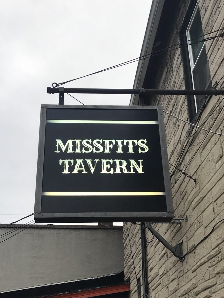 Missfits Tavern: 317 N Appleton St, Appleton, WI