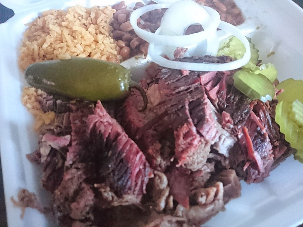 Anacuitas BBQ Smokehouse: 544 N Texas Ave, Mercedes, TX