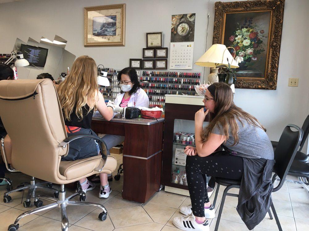Dazzling Nails: 45 E Green St, Champaign, IL