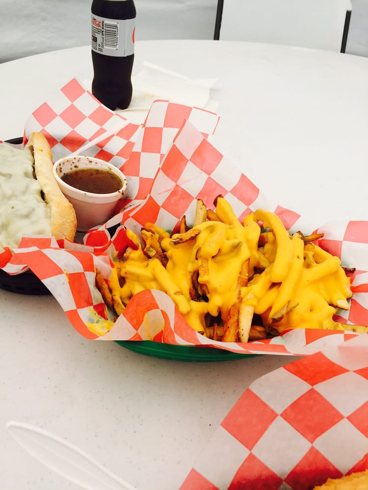 Chi-Town Chicago Style Eatery: 3595 Ranch Rd 620, Bee Cave, TX