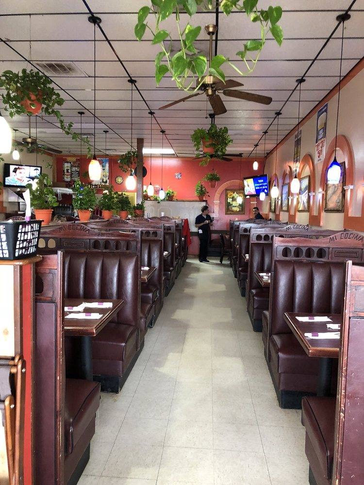 Mi Cosina Mexican Restaurant: 704 Hwy 100, Centerville, TN