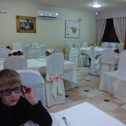 La torre dei falchi 14 foto cucina italiana via for Sala da pranzo usata caserta