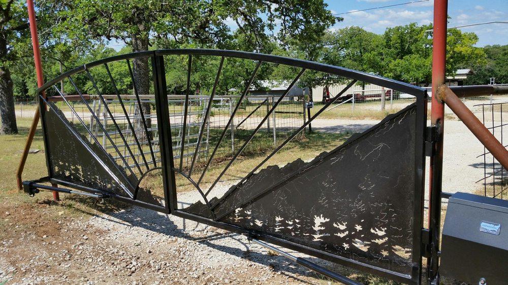 Dygert Gates: 13150 Liberty School Rd, Azle, TX
