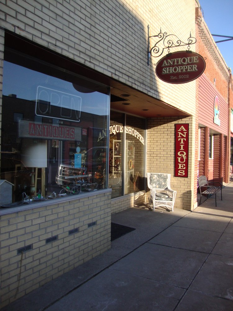 Antique Shopper: 113 S Lakeshore Dr, Lake City, MN