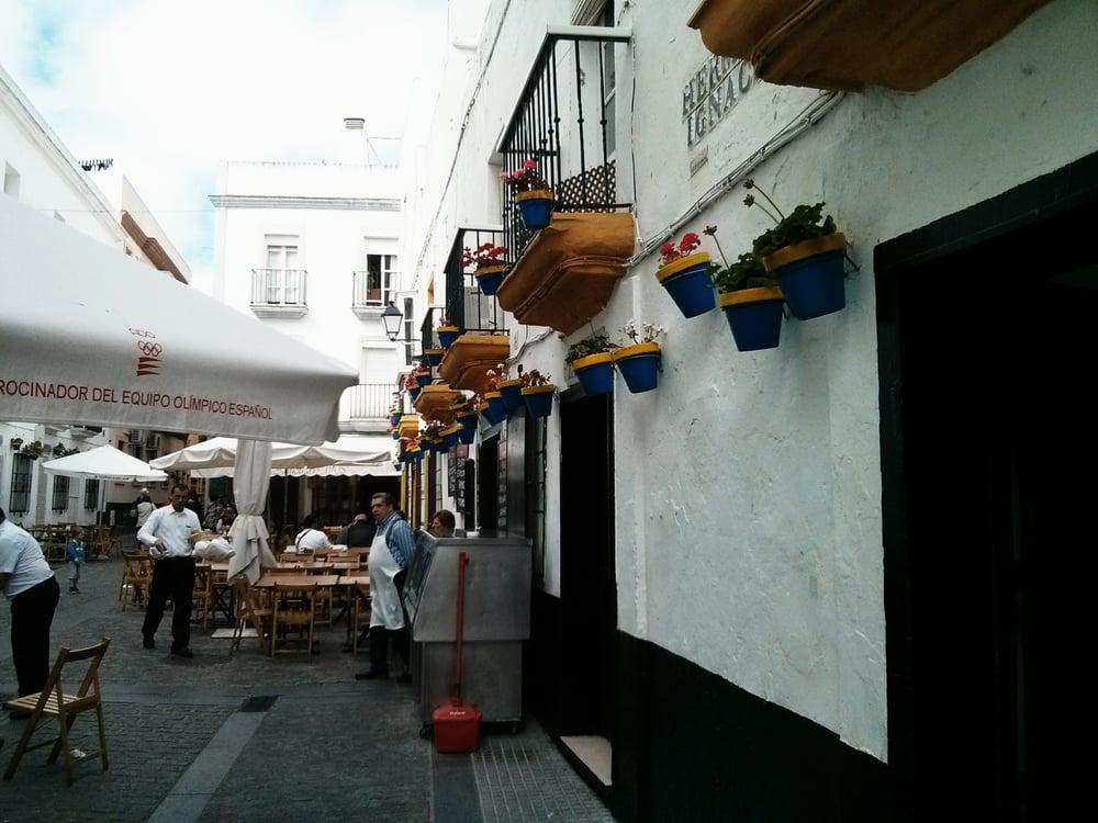 Taberna El Tío de la Tiza: Plaza del Tío de la Tiza, Cádiz, CA