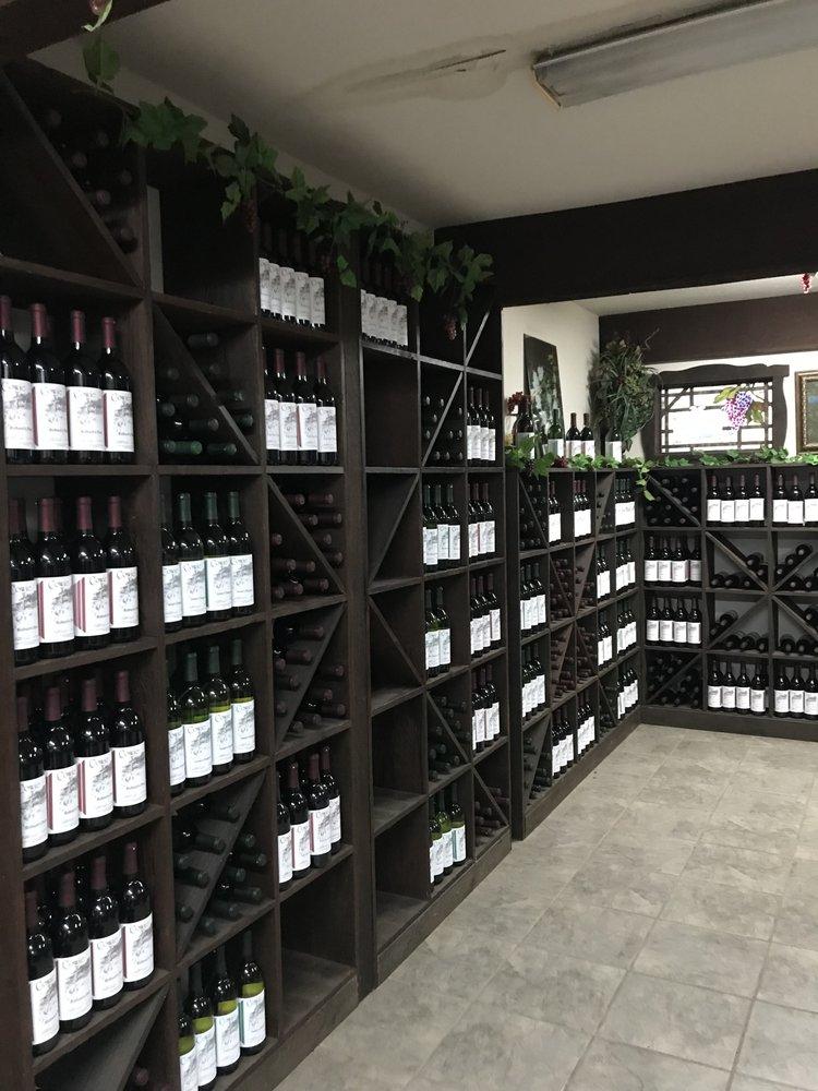 Cowie Wine Cellars and Vineyards: 101 N Carbon City Rd, Paris, AR