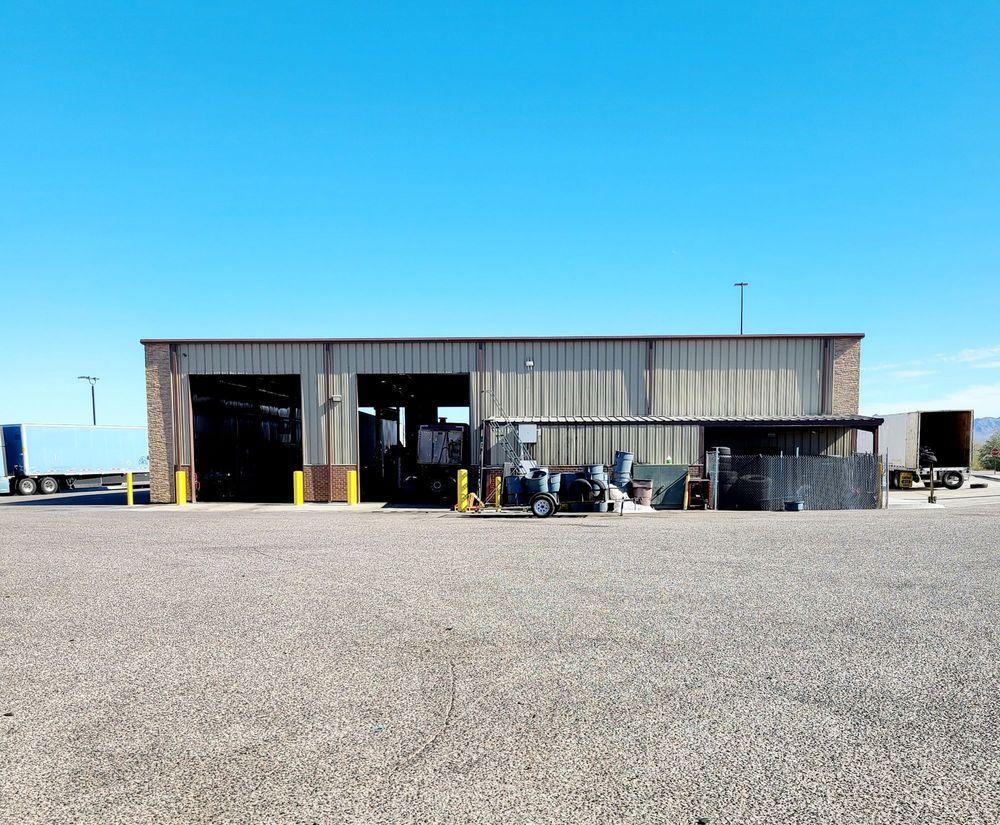 Love's Travel Stop: 760 S Quartzsite Blvd, Quartzsite, AZ