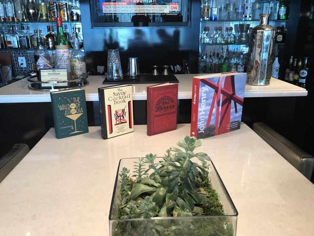 L'Atelier Restaurant & Lounge: 255 Biscayne Boulevard Way, Miami, FL