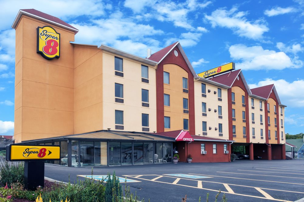 Super 8 Pigeon Forge Near The Convention Center 29 Photos 10 Reviews Hotels 114 Pickel Street Tn Phone Number Yelp