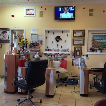 how to find a clean nail salon