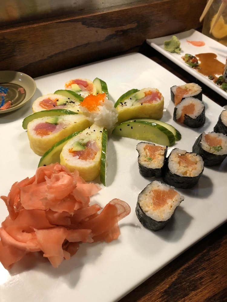 Sunset Sushi And Thai: 1031 Riverside Dr, Franklin, TN
