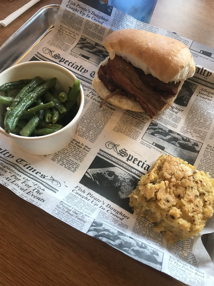 Smokin' Dave's BBQ: 324 Wampum Ave, Ellwood City, PA