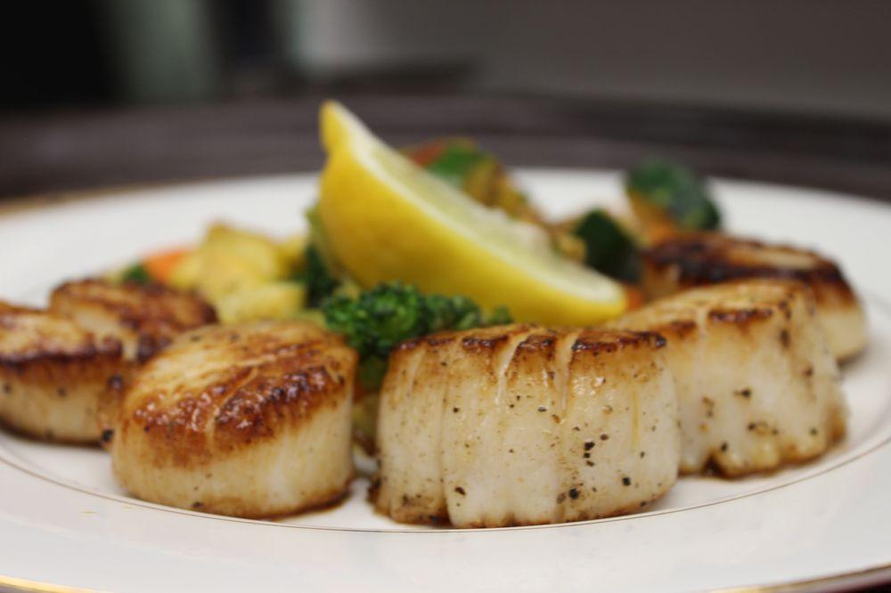The Catch Bar & Restaurant: 44715 Sterling Hwy, Soldotna, AK