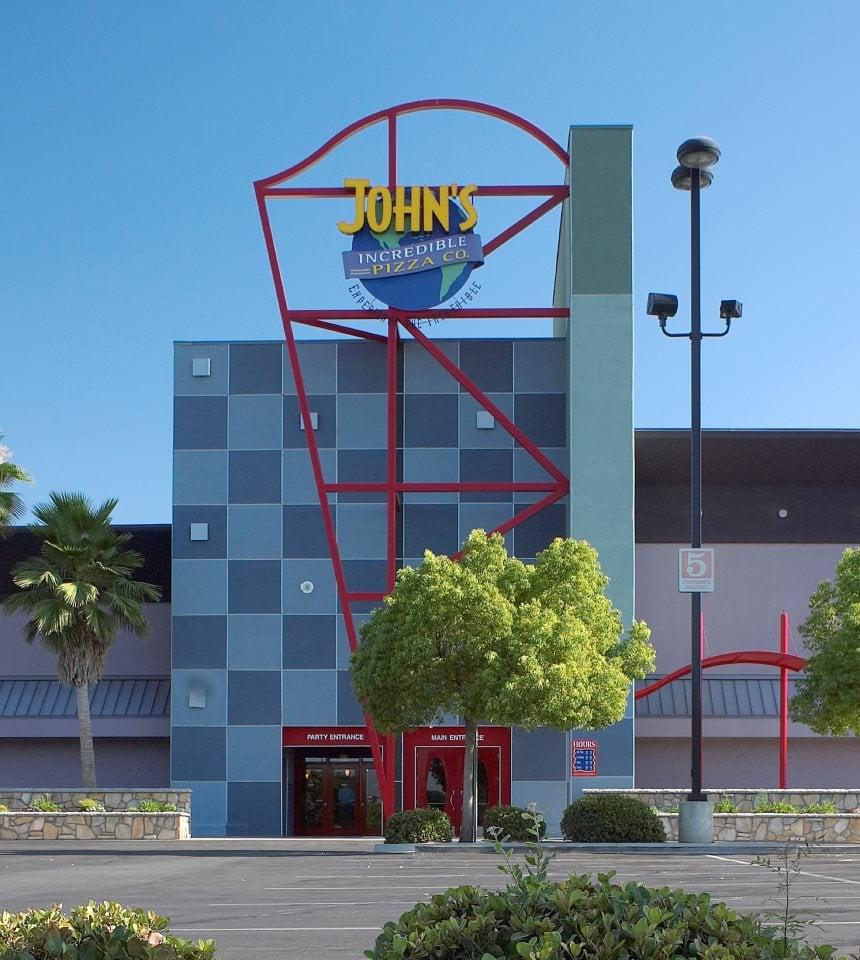 John\'s Incredible Pizza Company - 103 Photos & 128 Reviews - Pizza ...