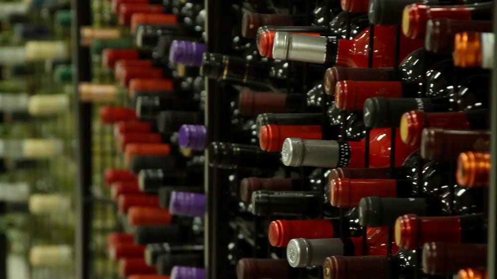 Bremer's Wine and Liquor: 4684 Commercial Dr, New Hartford, NY