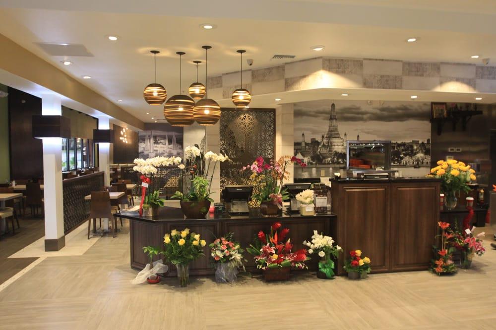 Sanamluang Thai Cuisine: 710 S Indian Hill Blvd, Claremont, CA