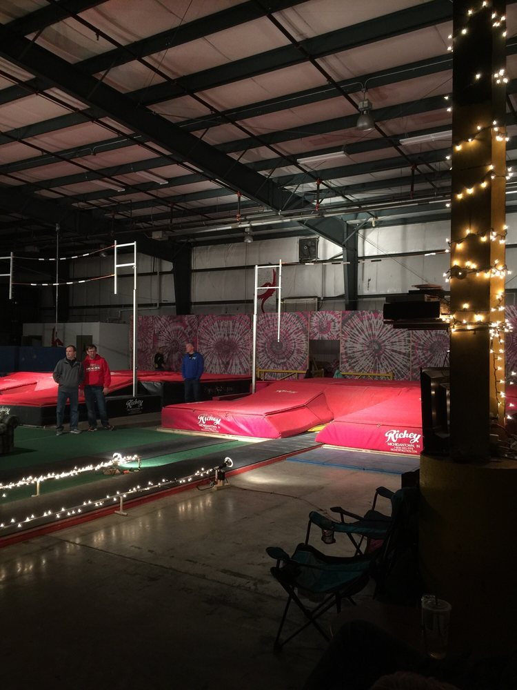 Flying Dragons Pole Vault Club: 2551 W College Ave, Normal, IL