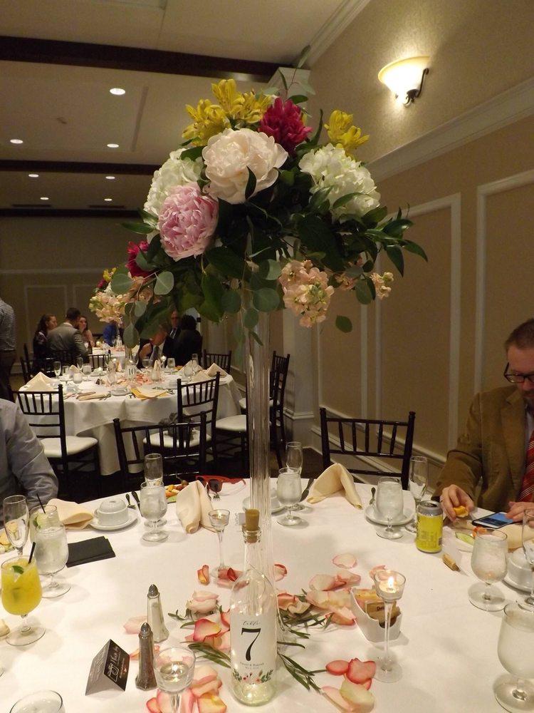 Lilium Florist: 86 Main St, Danielson, CT