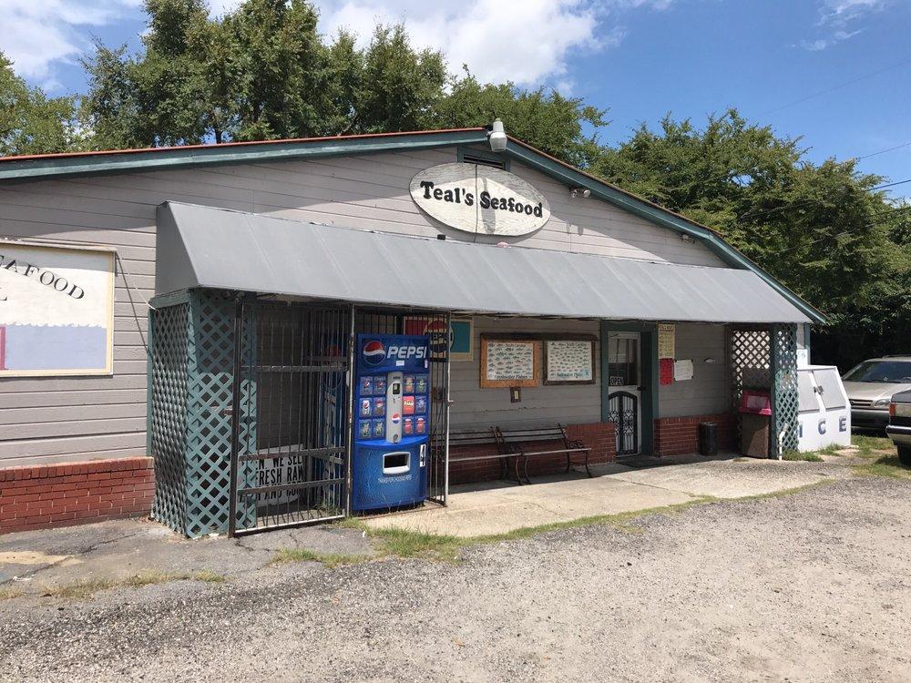 Teal Seafood: 68 Church St, Cheraw, SC