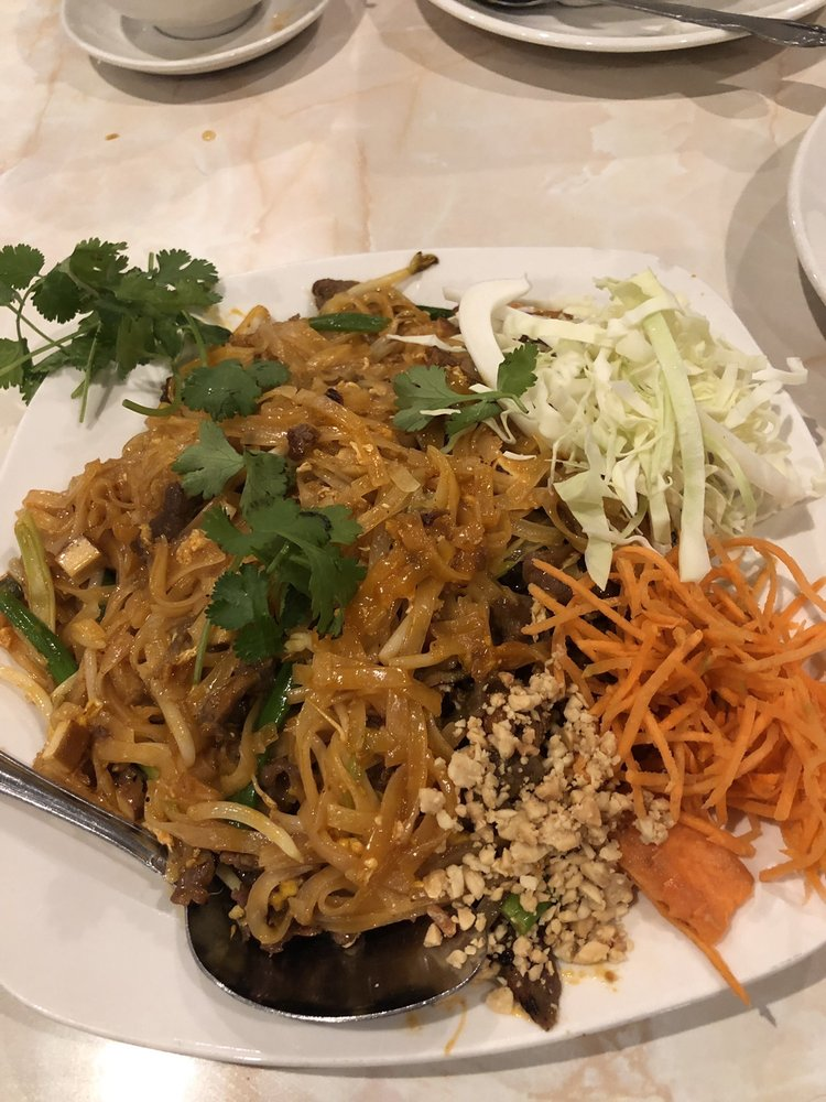 President Thai Cafe: 9340 Whittier Blvd, Pico Rivera, CA