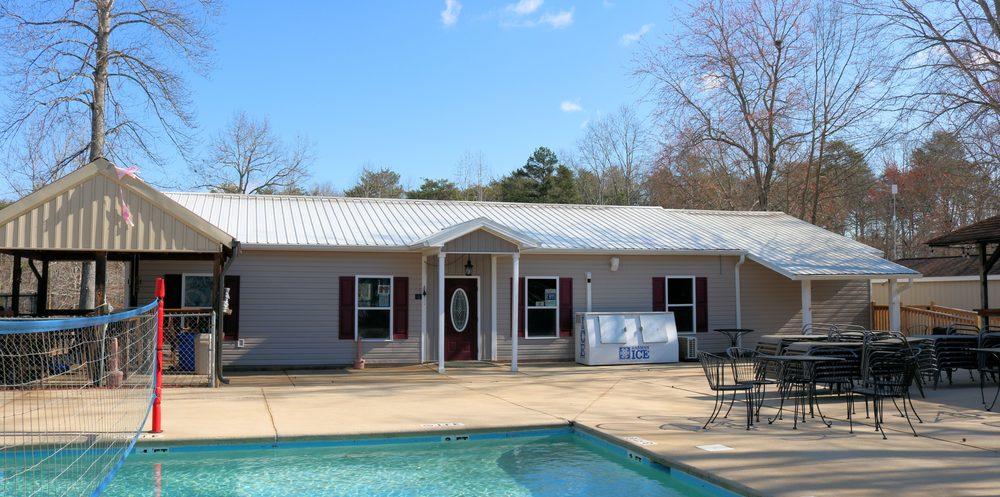 Carolina Foothills Resort: 90 Carolina Foothills Dr, Chesnee, SC