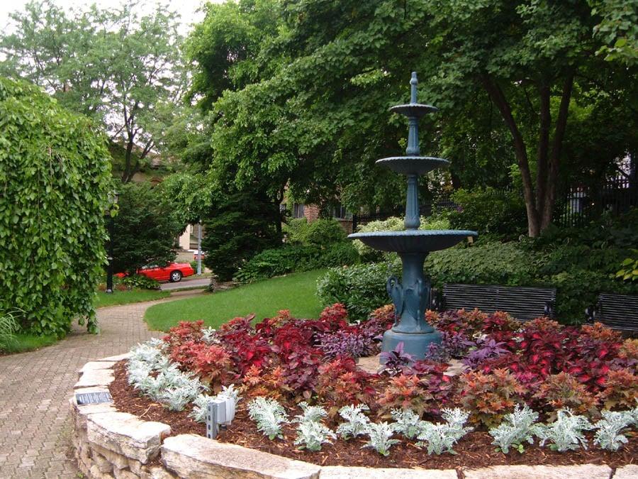 Center flower bed, Period Garden Park. - Yelp