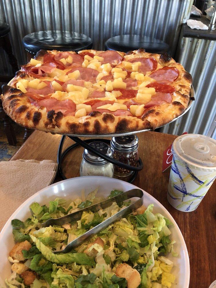 LouEddie's Pizza: 28561 State Hwy 18, Skyforest, CA