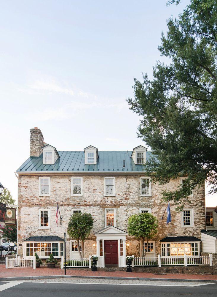 The Red Fox Inn & Tavern: 2 E Washington St, Middleburg, VA