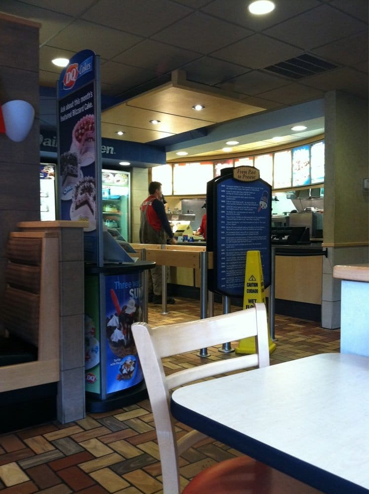 Dairy Queen Grill & Chill: 28866 US Hwy 119, South Williamson, KY