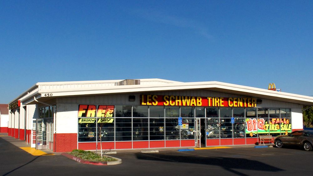 Les Schwab Tire Center: 450 Fairway Dr, Galt, CA