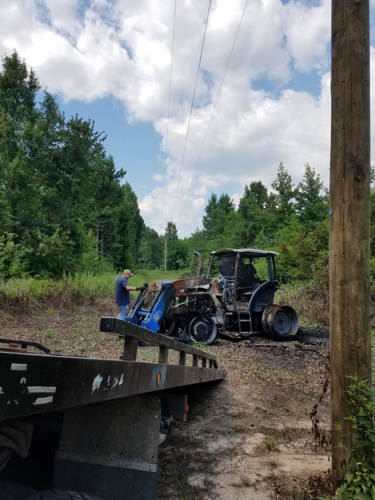 Mahoney's Towing & Auto Repair: 814 McAfee Medical Cir, Beebe, AR
