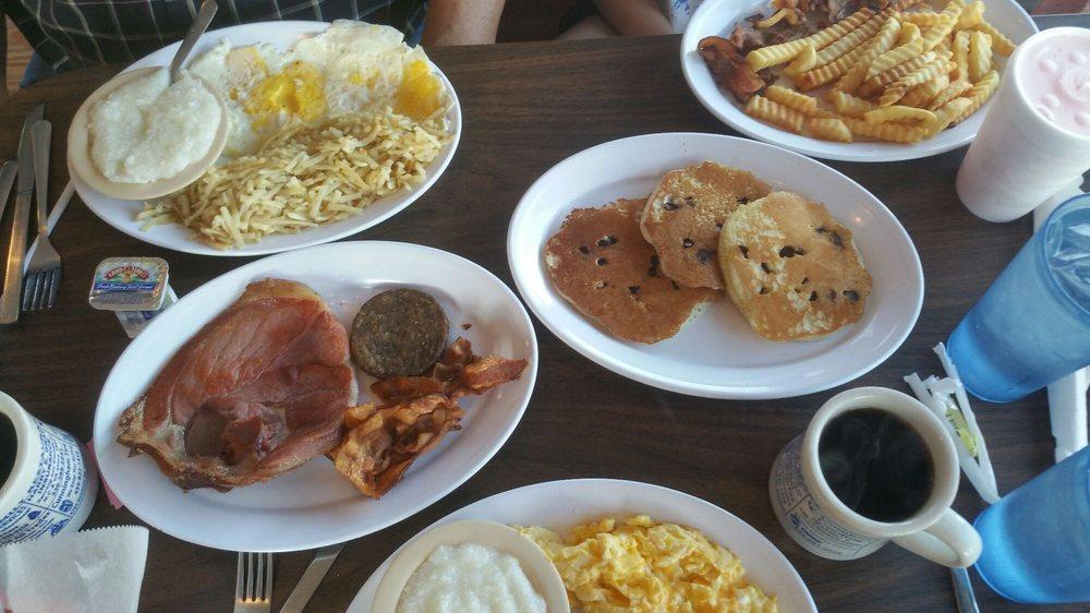 Food from Nikki's Family Restaurant