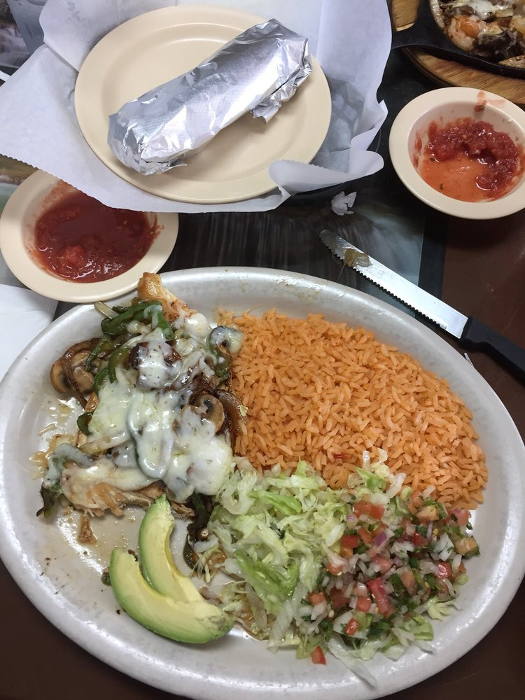 Juanito's Mexican Restaurant: 801 N Washington St, Bastrop, LA