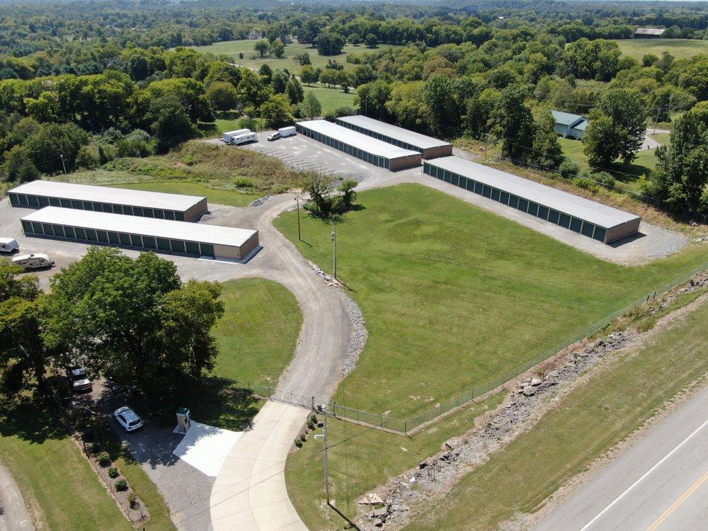 Castalian Springs Storage: 2812 Hartsville Pike, Castalian Springs, TN
