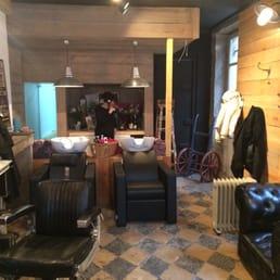 le petit salon 11 photos hair salons 6 place saint. Black Bedroom Furniture Sets. Home Design Ideas