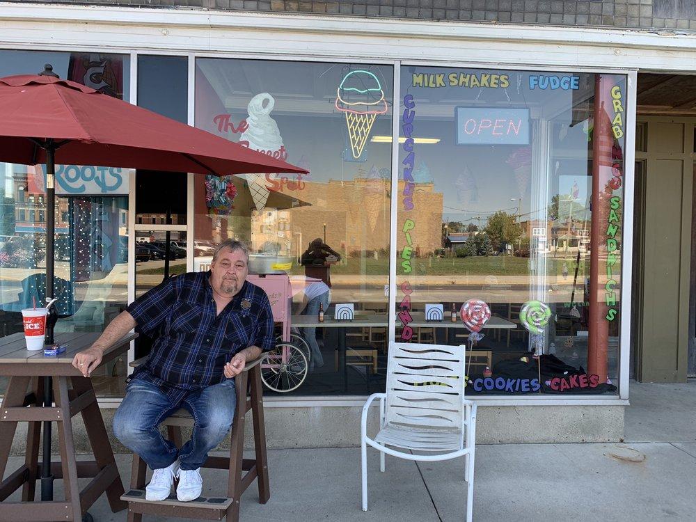 Sweet Spot: 203 W Washington St, Hartford City, IN