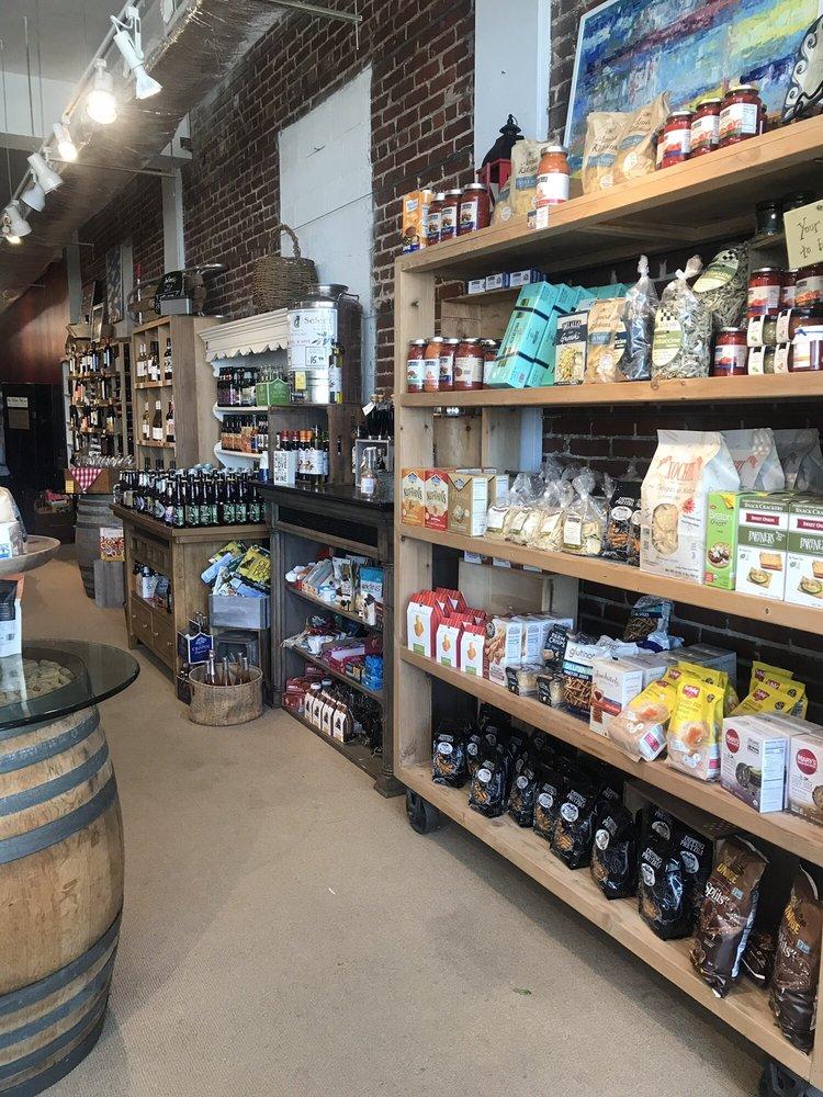 Gull Hummock Gourmet Market: 115 Mason Ave, Cape Charles, VA