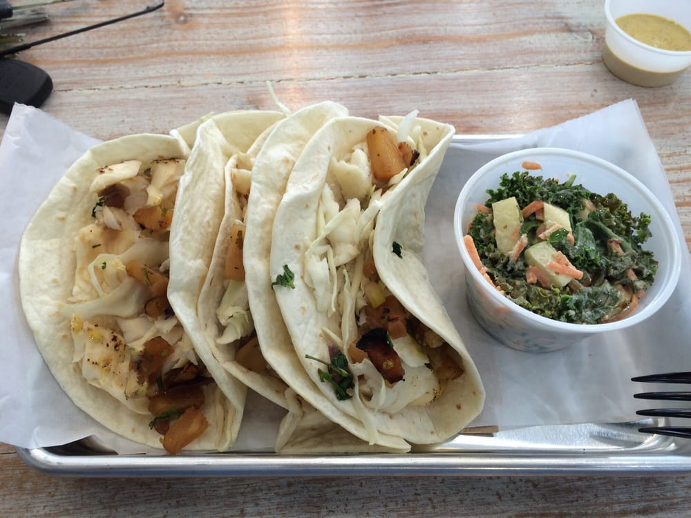 Fish tacos with apple slaw yelp for Fish tacos with coleslaw