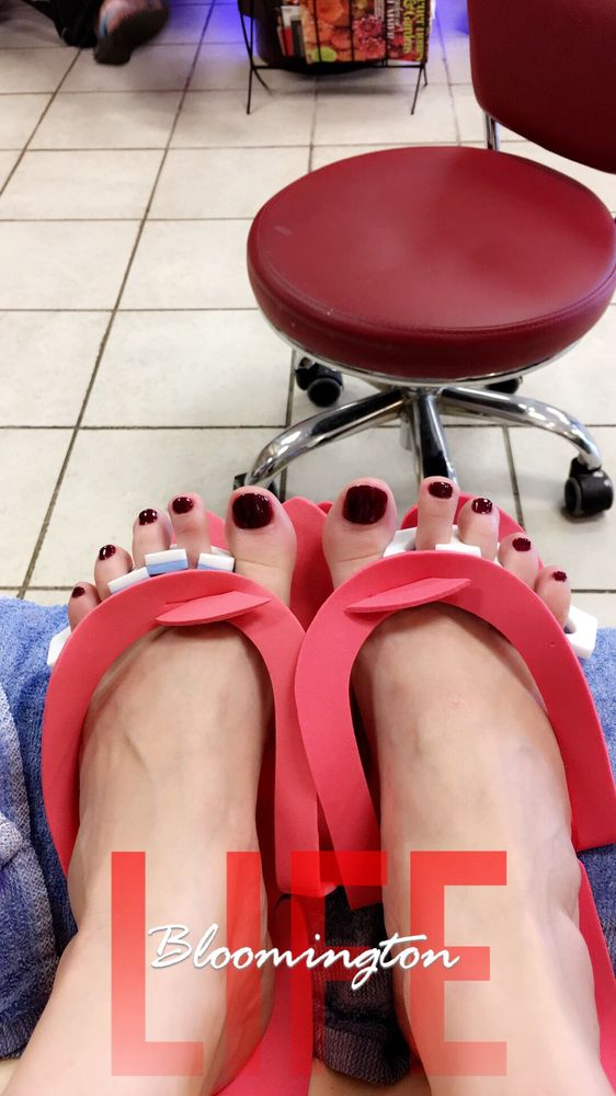 Nails & Spa: 503 N Prospect Rd, Bloomington, IL