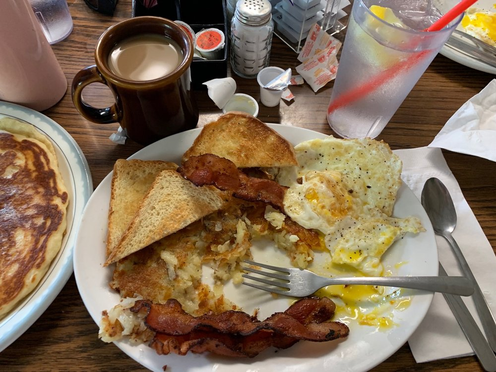 Kathy's Place: 101 E Maple St, Sacred Heart, MN
