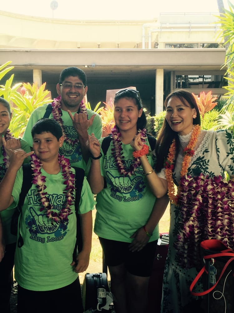 Aloha welcome hawaii lei greeting at honolulu international photo of hawaii tour travels honolulu hi united states aloha welcome m4hsunfo