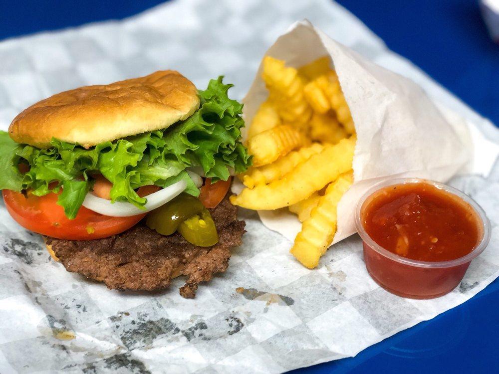 Samburgers: 11868 Lake Charles Hwy, Leesville, LA