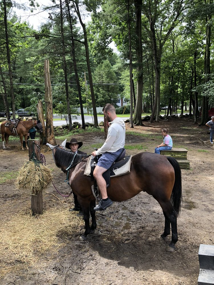 Lucky 7 Stables: 154 Litchfield Rd, Londonderry, NH