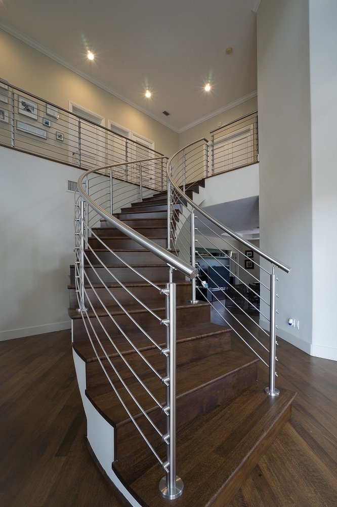 Curved Stainless Steel Rod Railings With A Top Mounted