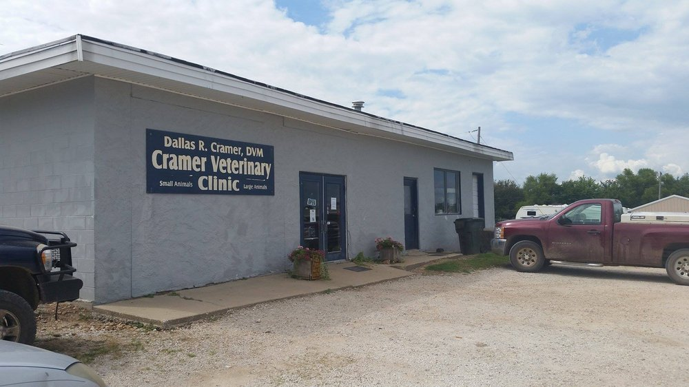 Cramer Veterinary Clinic: 1423 S Hwy 39, Stockton, MO
